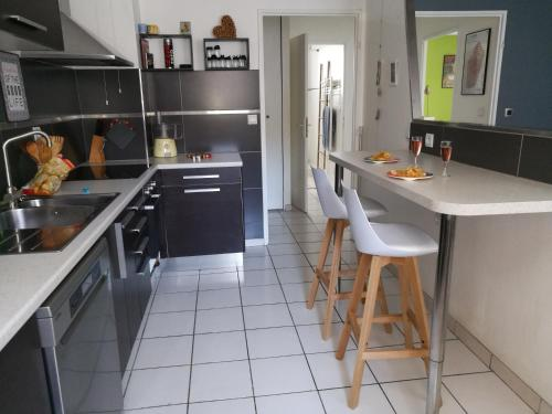 Central, spacieux, chambre, parking, WiFi high speed