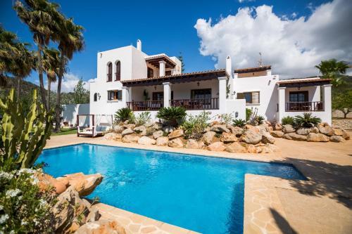 Las 9 mejores villas de Cala Tarida, España | Booking.com