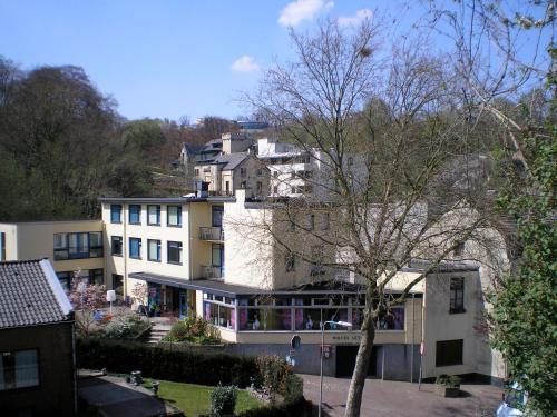 Hotel Leto / Lela