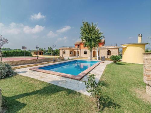 Three-Bedroom Holiday Home in Montelupone (MC)