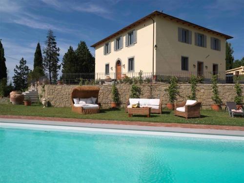 Certaldo Villa Sleeps 18 Pool