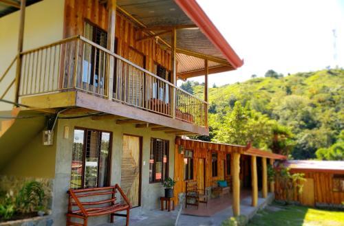 Hotel De Montaña El Descanso