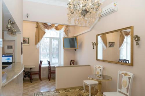 Orfei Hotel on Bolshaya Konyushennaya