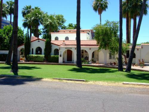 Maricopa Manor B&B Inn