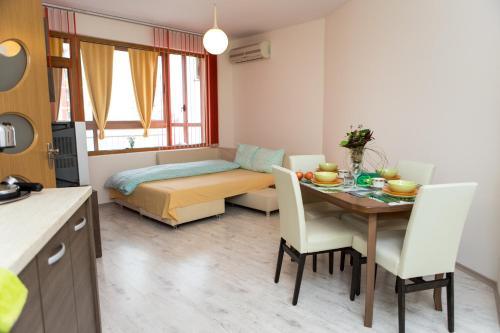 Grand Studio Apartment - Dolce Vita, Varna