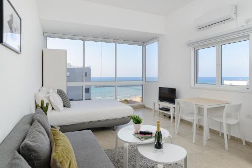 Reserve This Budget Hotel Description For A11y Hayarkon Suite Tel Aviv