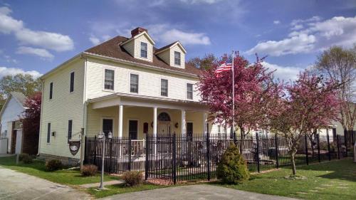 Andor Wenneson Historic Inn