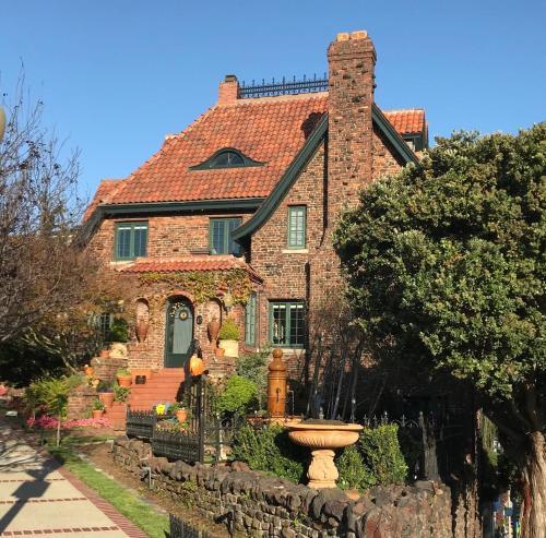 Upper Terrace Cottage