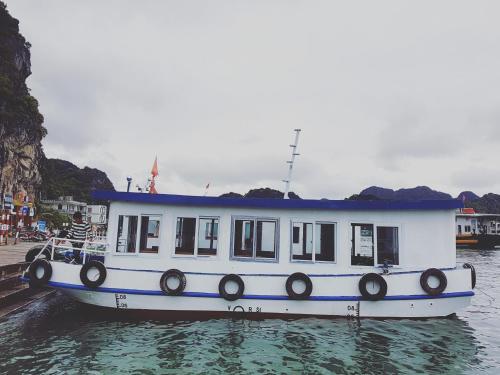 Smiley boat