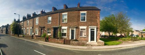 3 Bed House, Central York, 10 mins from Station