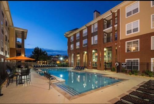 1660 Peachtree Luxury Aparment