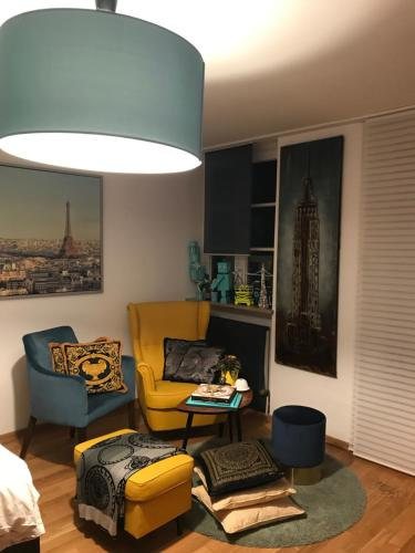 the 10 best apartments in munich germany. Black Bedroom Furniture Sets. Home Design Ideas