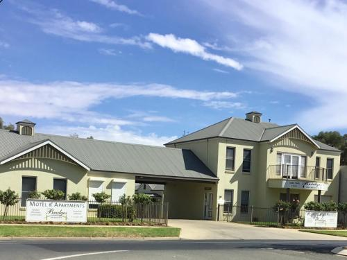 The 10 best 4-star hotels in Moama, Australia | Booking com