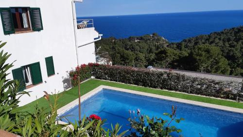 Lovely Top Floor Apartment Spectacular Sea View