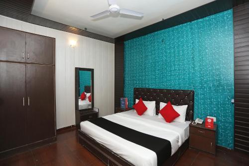 Capital O 24794 Aaryavan Resorts