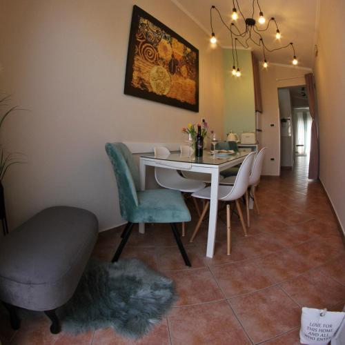 Room and Apartment Doris