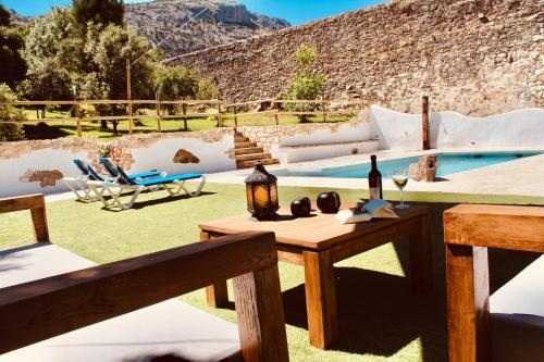 Los 10 mejores hoteles con piscina de Villanueva del Trabuco ...