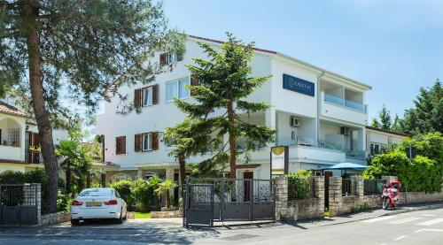 Villa Ladavac 11