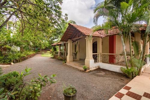 4-BR villa with a private pool
