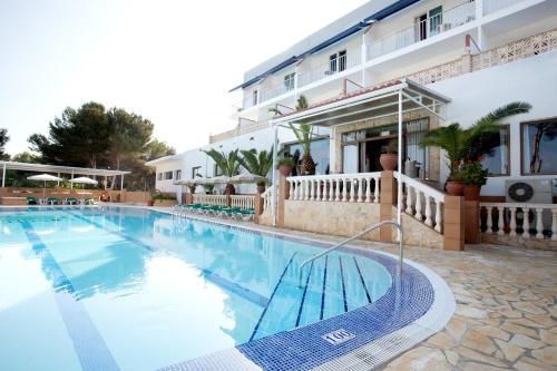 Booking.com: Hoteles en Es Caló. ¡Reserva tu hotel ahora!