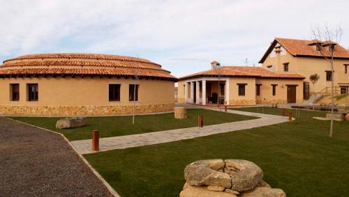 Booking.com: Hoteles en Villalpando. ¡Reserva tu hotel ahora!