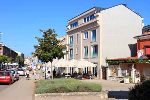 Apartments Riva-Interauto