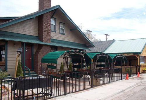 Buffalo Pointe Inn