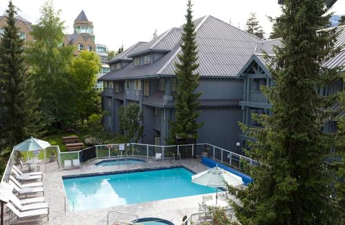 Glacier Lodge by Whistler Accommodation