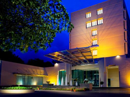 Vivanta by Taj Blue Diamond