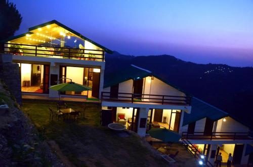 Woodsmoke Resort and Spa