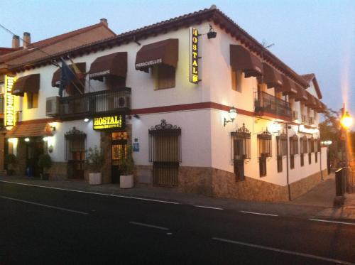 Konukevi Hostal Paracuellos (İspanya Paracuellos de Jarama ...