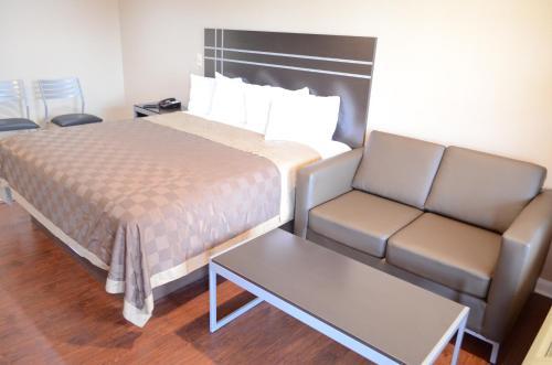 Regency Inn & Suites IAH - Intercontinental