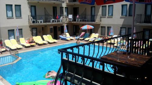 Poppy Apart Hotel