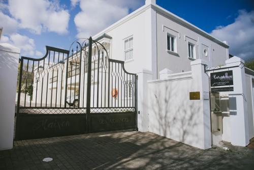 Maison Des Huguenots Le Roux