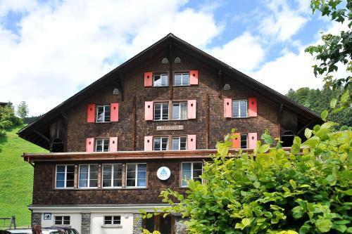 Familien- & Jugendherberge Berghaus