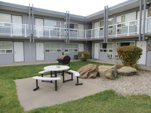 The 10 Best Motels In Calgary Canada Booking Com