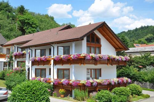 die 10 besten unterk nfte in ottenh fen deutschland. Black Bedroom Furniture Sets. Home Design Ideas