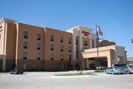 Hotels In Garden City Ks >> The 10 Best Hotels With Jacuzzis In Garden City Usa Booking Com