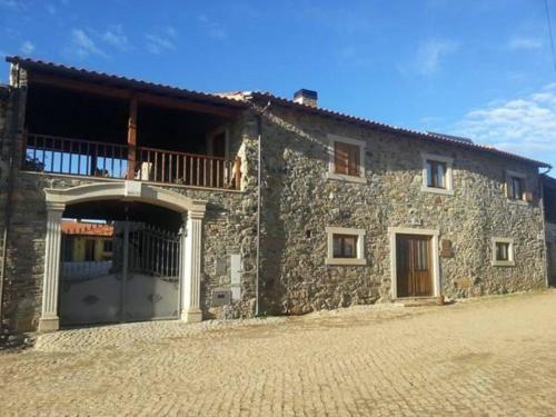Casas de campo em Parque Natural de Montesinho. 7 casas de ...