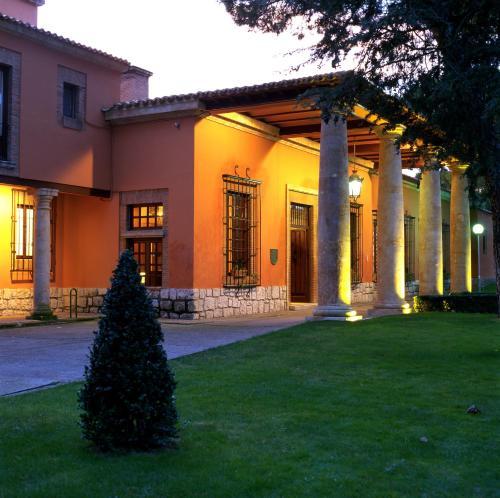 Los 10 mejores hoteles con parking de Tordesillas, España | Booking.com