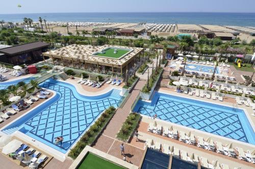 Trendy Verbena Beach Hotel