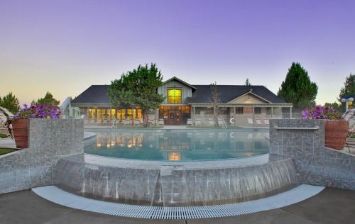 The Lodge at Eagle Crest