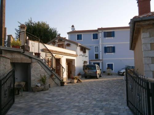 Apartments Crnčić