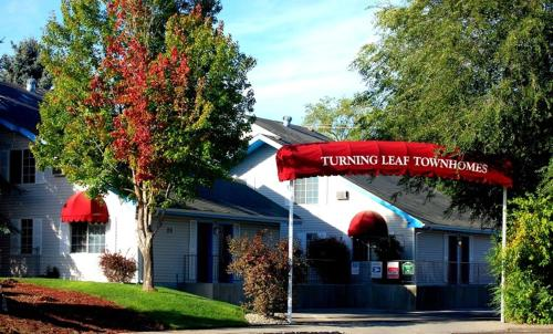 Condo Hotel Turning Leaf Furnished Townhomes, Spokane, WA