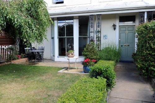 Riverview Guest House
