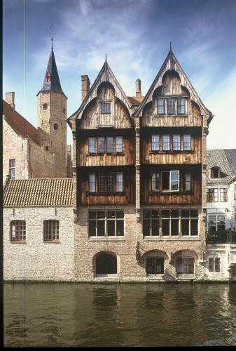 勃艮第克羅伊斯酒店