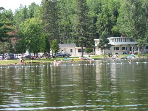 Manoir du Lac Caché