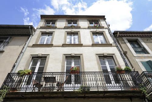 The Apartments, Rue Barbès