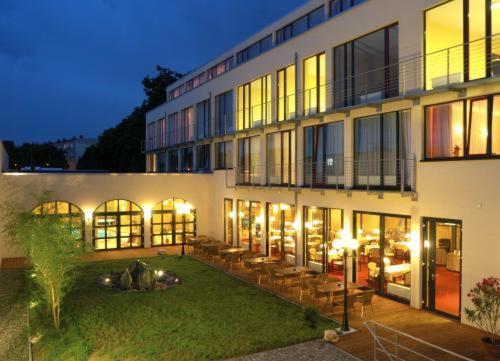 Die 10 besten hotels mit pool in quedlinburg deutschland for Dusseldorf hotel mit pool