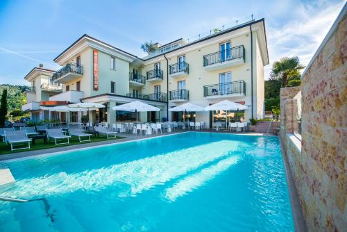 Die 10 Besten 4 Sterne Hotels In Garda Italien Booking Com